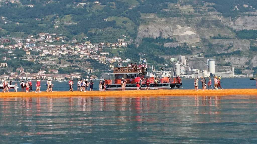 fengshui-floatingpiers-christo-9