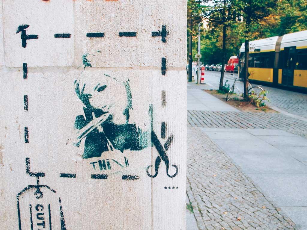 Graffiti von Friseuse in Berlin